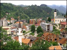 General view of the eastern Bosnian town of Srebrenica (March 2005)