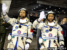 Chinese spacemen Fei Junlong (l) and Nie Haisheng (Getty)
