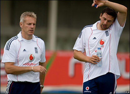 England coach Peter Moores and fast bowler Steve Harmison