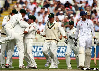 South Africa celebrate after Michael Vaughan (right) is out first ball