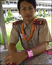 Un alumno transexual en la escuela Kampang de Tailandia