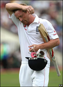 Paul Collingwood walks off after scoring just four