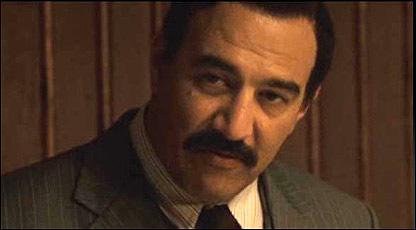 """إيجال ناعور في دور صدام حسين المجيد في مسلسل """"بيت صدام"""""""