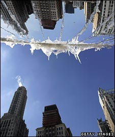 Ice forms on Anish Kapoor's mirror sculpture in Chicago