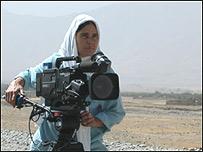 Periodista afgana por la paz. Foto cortesía peacexpeace.