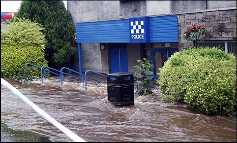 Police station flooded (picture by Bill Cairns )