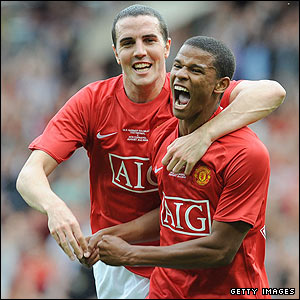 Manchester United goalscorer Fraizer Campbell is congratulated by John O'Shea