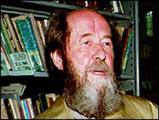 Solzhenitsyn in his library