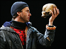 David Tennant in Hamlet. Copyright: Ellie Kurtzz/RSC
