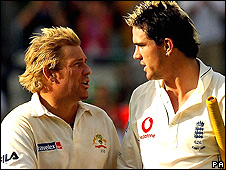 Shane Warne (left) and Kevin Pietersen