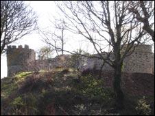 Aberlleiniog Castle (picture - Menter Mon)