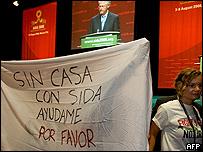 Manifestantes durante la conferencia internacional del SIDA