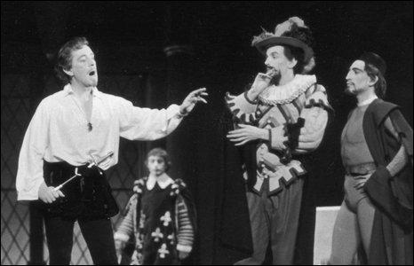 Alec Guinness in Hamlet (1951)