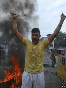 A Hindu protester in Jammu on 5 August 2008