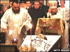 Alexander Solzhenitsyn's body during his funeral service