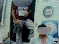 Emblema de la Cruz Roja durante la Operación Jaque