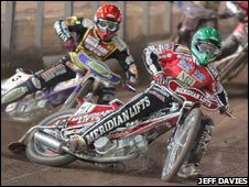 Hans Andersen holds off Rory Schlein