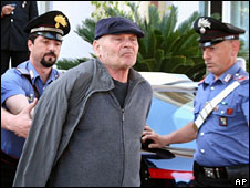 Police arrest Giuseppe Nirta near Reggio Calabria, 23 May 2008