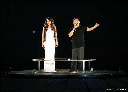 Sarah Brightman and Chinese pop star Liu Huan