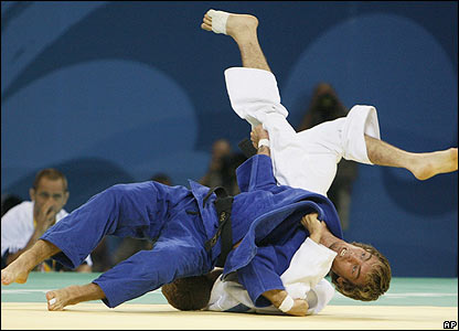 Britain's judoka Craig Fallon wins his first bout against Monaco's Hann Siccardi