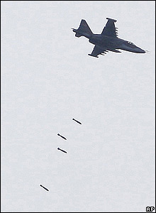 A plane dropping bombs near Gori, 9 Aug 08