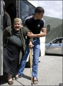 По данным России, Южную Осетию покинули 34 тыс. беженцев; позднее некоторые вернулись