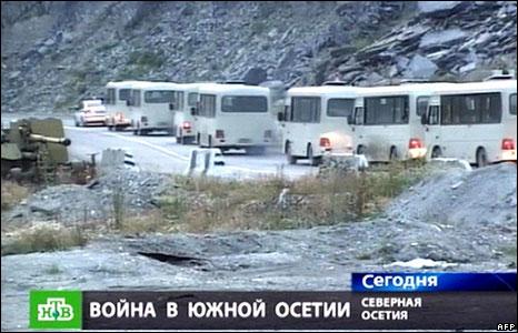 Refugee convoy  (09/08/08)