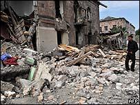 آثار القصف الروسي على جوري