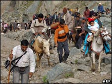 Pilgrims on their way to Amarnath shrine