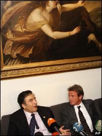 Михаил Саакашвили и глава МИД Франции Бернар Кушнер