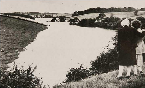 Flood waters at Ayton