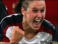 Heather O'Reilly celebrates for the US