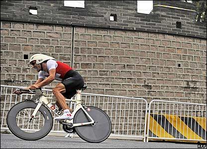 Cancellara cycles past the Great Wall