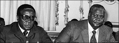 Robert Mugabe (l) an Johsua Nkomo (r) in London, 1979