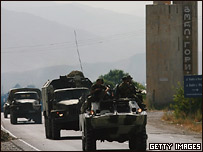 Военная техника на дороге у Гори