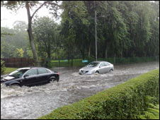 Cars in floodwater. Picture by Robbie Edmondstone