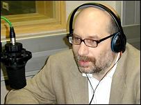 Писатель Борис Акунин (Григорий Чхартишвили) в студии Би-би-си