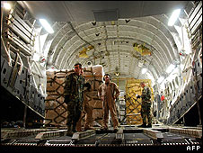 US crew unload a C-17 transport plane in Tbilisi airport on 13 August