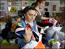 Russians in Moscow gather donations for relief work in South Ossetia on 13 August
