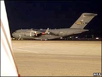 طائرة عسكرية امريكية تنقل المساعدات الى جورجيا ليلة الجمعة