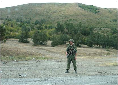 Российские войска заняли позиции вокруг города