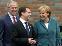 Буш, Медведев и Меркель