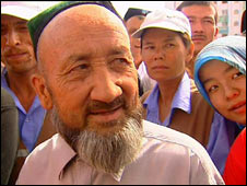 A crowd of Uighur residents in Kuqa