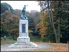 Mountain Ash war memorial (Photo by Joan Rees)