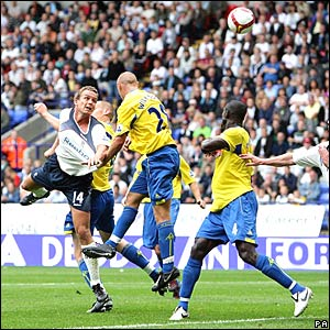 Kevin Davies heads Bolton's second