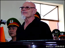 Gary Glitter in court, Vietnam