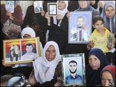 Relatives of Palestinian prisoners. File photo
