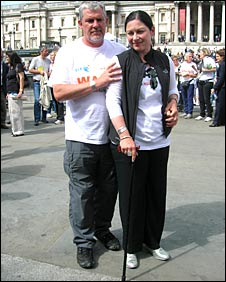 Gill Hicks are her husband Joe Kerr in London's Trafalgar Square