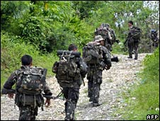 Philippine troops on patrol in North Cotabato on 12 August 2008