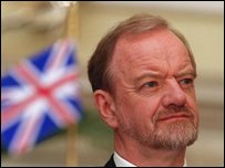 Robin Cook at a news conference in New Delhi in April 2000